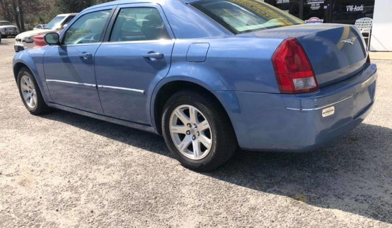 2007 Chrysler 300 Touring Sedan 4D full